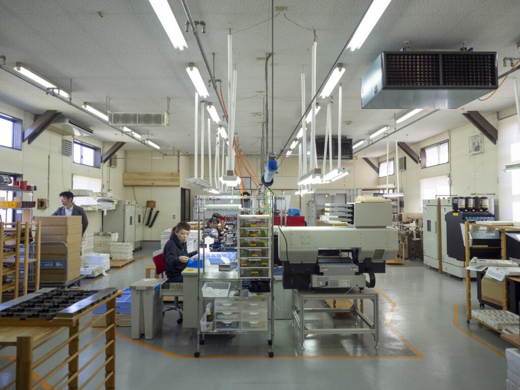 清潔で整然とした工場